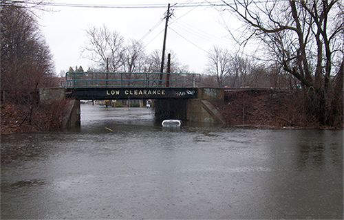 Cross-street bridge flooding in Winchester